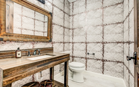 61 Basement Bath